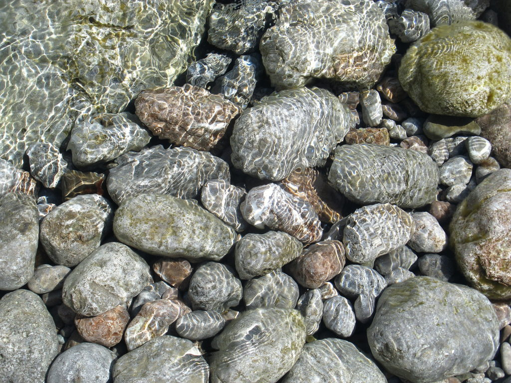 Мыс Сарыч. Море и камни